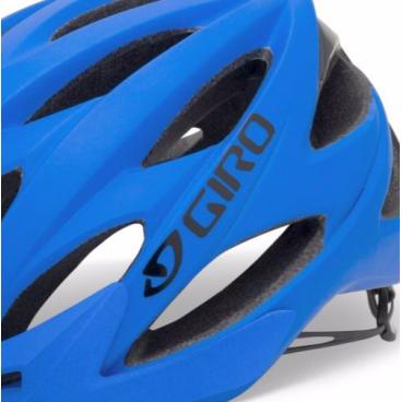 Велошлем Giro XAR, L(59-63 см) матовый синий GI7055171Велошлемы<br>Велошлем Giro XAR<br>Назначение: All Mountain, trail riding, Endurace/Marathon XC, Super D. Улучшеная система подгонки Roc Loc 5.<br>XAR сочетает технологии In-Mold, EPS и корпус из поликарбоната, усиление Roll Cage™.<br>XAR это качество, комфорт и стиль. Подкладка X-Static обеспечивает антимикробные свойства, чтобы помочь сохранить свежесть внутри шлема как можно дольше. Подкладку можно стирать в стиральной машине. <br>Запатентованная вентиляционная система Wind Tunnel с 17 отверстиями, в которой сочетаются активные вентиляционные отверстия с внутренними отводящими отверстиями, которые проводят прохладный свежий воздух вокруг головы снова и снова, выталкивая излишний жар и застоявшийся воздух. <br>Трех-размерная система Super Fit обеспечивает комфортную, практически не ощутимую посадку. <br>P.O.V-козырьки крепятся запатентованным внутренним сцепляющим механизмом, что позволяет сделать вертикальную настройку на 15 градусов без инструментов прямо на ходу. В тоже время он не бренчит и не раскручивается даже на жесткой поверхности. <br>Литой корпус разработан из сплава внешней оболочки шлема с поглощающей удары поролоновой подкладкой.<br>Цвет: матовый синий<br>размер L (59-63 см)<br>Артикул GI7055171<br>