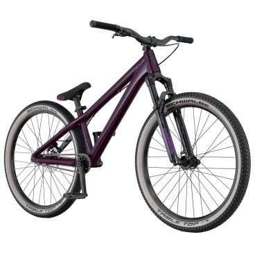 Горный велосипед Scott Voltage YZ 0.1 2016Горные (MTB)<br>Scott Voltage YZ 0.1 2016<br>SCOTT Voltage YZ 0.1 - высококлассная реплика профессиональной модели - отличный велосипед для дёрта и стрита. Выполняя прыжки и трюки можно быть уверенным в надежности и качестве всех  элементов этого синглспида.<br>Жесткая и прочная гидроформованная рама из алюминиевого сплава 6061.<br>Вилка Rock Shox PIKE DJ с ходом 100мм.<br>Каретка BB92, ультракороткие нижние перья, конический рулевой узел, топовые компоненты.<br>Гидравлические дисковые тормоза Shimano BR-M396 с ротором 160мм.<br>Односкоростная трансмиссия.<br>Рекомендуется всем любителям адреналина. <br><br><br><br><br><br><br><br><br>Общие характеристики<br><br><br>Модель<br>2016 года<br><br><br>Тип<br>для взрослых<br><br><br>Область применения<br>горный (MTB), дёрт<br><br><br>Вес велосипеда<br>12 кг<br><br><br>Рама, вилка<br><br><br>Материал рамы<br>алюминиевый сплав<br><br><br>Амортизация<br>Hard tail (с амортизационной вилкой)<br><br><br>Наименование мягкой вилки<br>RockShox Pike DJ Air<br><br><br>Конструкция вилки<br>воздушно-масляная<br><br><br>Уровень мягкой вилки<br>профессиональный<br><br><br>Ход вилки<br>100 мм<br><br><br>Регулировки вилки<br>жесткости пружины, скорости сжатия, скорости обратного хода<br><br><br>Другие регулировки<br>Pedal/Lock<br><br><br>Конструкция рулевой колонки<br>интегрированная, безрезьбовая<br><br><br>Колеса<br><br><br>Диаметр колес<br>26 дюймов<br><br><br>Наименование покрышек<br>Schwalbe Table Top Performance, 26x2.25, 67EPI, Skinwall<br><br><br>Наименование ободов<br>Syncros MD25 Disc<br><br><br>Материал обода<br>алюминиевый сплав<br><br><br>Двойной обод<br>есть<br><br><br>Материал бортировочного шнура<br>металл<br><br><br>Торможение<br><br><br>Тип переднего тормоза<br>отсутствует<br><br><br>Наименование заднего тормоза<br>Shimano BR-M396, 160mm<br><br><br>Тип заднего тормоза<br>дисковый гидравлический<br><br><br>Уровень заднего тормоза<br>спортивный<br><br><br>Возможность крепления диск