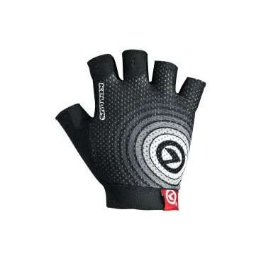 Перчатки KELLYS INSTINCT short, без пальцев, чёрно-белые, XLВелоперчатки<br>Вело перчатки созданы не для согревания рук, как обычные перчатки. Они наделены более важной миссией - защита от мозолей и повреждений кожи рук, вызванных падением.<br><br>Для того, чтобы Ваши руки были в порядке, и Вы оставили в прошлом все, что связано с натиранием и мозолями, короткопалые перчатки KELLYS INSTINCT shortснабжены мягкими подушечками в области ладони c гелем.<br><br>Для лучшего сцепления с рулем, а значит, и лучшей управляемости, на ладонях проштампован силиконовый рисунок.<br><br>Для улучшения вентиляции - поверхность перчаток изготовлена из сетчатого проветриваемого материала - лайкры.<br><br>Для простого и быстрого натягивания перчатки предусмотрен специальный удлиненный язычок с объемным логотипом.<br><br>Перчатки KELLYS INSTINCT short вобрали в себя только лучшие качества. Для Вашего комфорта!<br>