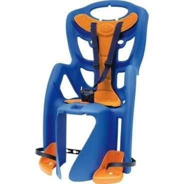 Детское велокресло на багажник BELLELLI Pepe Clamp заднее, до 7лет/22кг, синее, 01PPM00001Детское велокресло<br>Наслаждаться прогулками на велосипеде вместе с ребенком - легко с новым задним детским велокресломPepe Clamp BELLELLI.  Это креслокрепится на уже установленный задний багажник велосипеда(грузоподъемность багажника не менее 25 кг, ширина 12-17,5 см) с колесами 26-28 и позволяет перевозить ребенка до 22 кг, то есть с 1 года до 7 лет.  Велокресло Pepe Clampимеет мягкую прокладку, ремни безопасности и защиту ног от попадания в спицы. За счет вентилируемой перфорированной спинки малышу не будет жарко в знойный день.  Форма корпуса велокресла обеспечивает защиту ребёнка по бокам. Пряжка на ремнях безопасности позволяет фиксировать ребенка в велокресле одним движением, но при этом не может быть расстегнута ребенком случайно.  Внимание:  -Велосипедом, с установленным детским креслом, должен управлять уверенный пользователь!  -Велокресло не может устанавливаться на велосипеды с богажником консольного типа.  -Используйте защитные средства во время катания на велосипеде (шлем/наколенники!).     Велокресло детскоезаднееPepe Clamp BELLELLI:  Материал:пластик.  Устанавливается:на багажник велосипеда.  Вес ребёнка:до 22 кг.  Приблизительный возраст ребёнка:~от 1 года до 7 лет.  Допустимая ширина багажника:от 12-17,5 см (багажник НЕ консольного типа).  Грузоподъёмность багажника:до 25 кг.  Колёса взрослого велосипеда:от 26 до 29.  Крепление Clamp:это быстросъёмное крепление на багажник.  Застёжки ремней:baby control (с секретом).  Регулировка ремней:есть.  Вентилируемая спинка:есть.  Защитная платформа для ног с регулировкой:есть.  В комплекте:крепление.  Цвет кресла:синий.  Цвет подушки:оранжевый.  Европейский сертификат качества TUV.  Стандарт безопасности:EN 14344.<br>