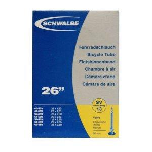 Велокамера FV Schwalbe 26х1.5-2.5 (40-62х559), SV13, 10425363Камеры для велосипеда<br>Велокамеры Schwalbe являются единственными в мире, удостовенными печати качества VSF all ride (германская ассоциация продавцов только высококачественной продукции).<br>Победитель теста велокамера Schwalbe SV13.<br>Велокамеры Schwalbe удерживают воздух значительно дольше, потому что качеству и чистоте материала уделяется максимальное внимание. Каждая велокамера Schwalbe накачивается на заводе индивидуально и в течении 24 часов проверяется на пропускаемость воздуха. При этом камера помещаятся в прессформу, что гарантирует стабильность толщины стенок и удержание воздуха.<br><br>Данная модель покрывает наиболее распространенные диапазоны колес 26 дюймов.<br><br>Характеристики велокамеры 26 SV13:<br><br>    размер колеса: 26х1.5-2.5 (40-62х559);<br>    тип нипеля: FV (Presta, французский);<br>    длина нипеля: 40 мм;<br>    вес: 190 гр;<br>    категория: универсальная.<br>
