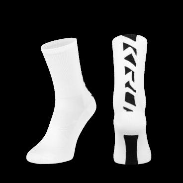 Носки Kross PRS TALL, размер L, белый, T4COD000275LWHВелоноски<br>Высокие носки , изготовленные из эластичного материала, легко принимают форму ступни. Хороший выбор не только для горных экспедиций, но также и для обычных поездок и езды по городу.<br> Размер: L<br> Цвет: белый<br>
