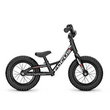 Беговел FOCUS RAVEN ROOKIE 12R 2015, черный, US:XXXXS, 62000760Беговелы для детей<br>Беговел на 12 дюймовых колесах. Служит для ребенка первыми шагами в мир велосипеда. Беговелы как правило берутся для детей ростом от 85см, которые пока не в силах крутить педали толкая себя в перед, но прекрасно умеют ходить и даже бегать.<br><br>Рама: Алюминиевая MTB 12R 0.0<br>Вилка: rigid<br>Размер колёс: 12<br>Вес велосипеда:4,30кг<br>