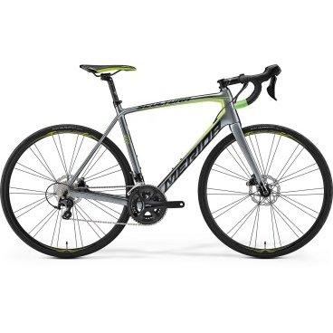 Шоссейный велосипед Merida Scultura Disc 4000 2017Шоссейные<br>Шоссейный велосипед продвинутого уровня с оборудованием начального профессионального класса Shimano, 22 скорости. Технические особенности: карбоновая рама Scultura CF2 disc 12, жесткая вилка Scultura Carbon CF2 Disc, двойные обода Merida comp 22 disc, дисковые гидравлические тормоза Shimano RS505. Подходит для быстрой спортивной езды по шоссе. Диаметр колес - 28 дюймов. Вес - 8,75 кг.<br>Рама и амортизаторы<br><br>РамаScultura CF2 disc 12 [PF86]<br>ВилкаScultura Carbon CF2 Disc 12<br>Цепная передача<br><br>МанеткиShimano RS505 disc<br>Передний переключательShimano 105 D<br>Задний переключательShimano 105 SS<br>КареткаShimano Pressfit<br>КассетаShimano CS-5800-11 11-28<br>Количество скоростей22<br>ЦепьKMC X11<br>Колеса<br><br>Диаметр28.0<br>ОбодаMerida comp 22 disc pair<br>СпицыDouble Butted Black stainless<br>ВтулкаBearing Centerlock-12<br>ПокрышкаContinental Ultra Sport II 25 fold<br>Компоненты<br><br>Передний тормозShimano RS505 160<br>Задний тормозShimano RS505 160<br>ГрипсыMerida Road Expert<br>РульMerida Expert Compact road OS<br>Рулевая колонкаBig Conoid S-bearing neck pro<br>СедлоMerida Sport<br>Подседельный штырьMERIDA carbon Expert SB15 27.2<br>РазработкаТайвань<br>ПроизводствоКНР (Тайвань)<br>