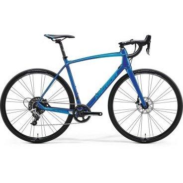Шоссейный велосипед Merida Ride Disc Adventure-CF 2017Шоссейные<br>Шоссейный велосипед продвинутого уровня с оборудованием начального профессионального класса SRAM, 11 скоростей. Технические особенности: карбоновая рама Ride Lite-Single BSA, жесткая вилка Race Carbon disc 15, двойные обода Merida comp 22, дисковые гидравлические тормоза Sram. Подходит для быстрой спортивной езды по шоссе. Диаметр колес - 28 дюймов. Вес - 9,08 кг.<br>Основное<br>Модельный год2017<br>Применениешоссейный<br>Возрастная группавзрослый<br>Типмужской<br><br><br>Рама и амортизация<br>Материал рамыкарбон<br>Амортизациябез амортизации<br><br><br>Колеса и тормоза<br>Диаметр колес28 <br>Модель покрышекContinental Grand Sport Race<br>Материал ободаалюминий / Merida Comp 22 /<br>Ободдвойной<br>Передний тормоздисковый гидравлический / SRAM, ротор 160 мм /<br>Задний тормоздисковый гидравлический / SRAM, ротор 160 мм /<br>Руль и трансмиссия<br>Скоростей11 шт<br>Звёзд системы1 / шатун: SRAM Rival, 42T /<br>Звёзд кассеты11<br>Модель кассетыSRAM PG-1130<br>Задний переключательSRAM Rival<br>Тип манеткиdual control<br>Модель манеткиSram Rival / HRD /<br>Форма руляшоссейный<br>ВыносMerida Expert Carbon OS 5<br>Модель руляMerida Expert Compact Road OS<br><br><br>Общее<br>Модель сиденьяMerida Race<br>Модель цепиKMC X11-1<br>Вес9 кг<br>