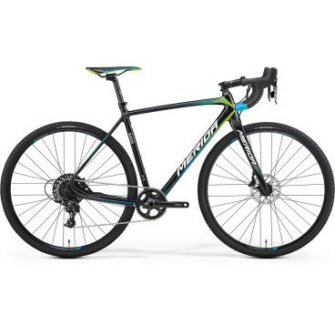 Циклокроссовый велосипед Merida CycloСross 5000 2017Туристические и циклокроссовые<br>Циклокроссовый велосипед с оборудованием предпрофессионального класса SRAM, 11 скоростей. Технические особенности: карбоновая рама Race disc CF3 R12, жесткая вилка CC Carbon disc 15, двойные обода Merida Expert CC, дисковые гидравлические тормоза Sram. Подходит для спортивного катания в дисциплине велокросс. Диаметр колес - 28 дюймов. Вес - 8,9 кг.<br>Основное<br>Модельный год2017<br>Применениешоссейный<br>Возрастная группавзрослый<br>Типмужской<br><br><br>Рама и амортизация<br><br>Материал рамыкарбон<br>Амортизациябез амортизации<br><br><br>Колеса и тормоза<br>Диаметр колес28 <br>Модель покрышекMaxxis Mud Wrestler 33<br>Материал ободаалюминий / Merida Expert CC /<br>Ободдвойной<br>Передний тормоздисковый гидравлический / SRAM, ротор 160 мм /<br>Задний тормоздисковый гидравлический / SRAM, ротор 160 мм /<br>Модель передней втулкиFormula Centerlock 15<br>Модель задней втулкиFormula Centerlock 12<br>Руль и трансмиссия<br>Скоростей11 шт<br>Звёзд системы1 / шатун: SRAM Apex 1 /<br>Звёзд кассеты11<br>Модель кассетыSRAM PG-1130<br>Задний переключательSRAM Apex 1<br>Тип манеткиdual control<br>Модель манеткиSRAM Apex 1<br>Форма руляшоссейный<br>ВыносMerida Expert OS<br>Модель руляMerida Road Expert Classic OS<br><br><br>Общее<br>Модель сиденьяMerida Expert<br>Модель цепиKMC X11<br>Вес8.9 кг<br>
