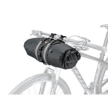 Велосумка на руль для путешествий Topeak FrontLoader, 8.0 L, черная, TBP-FL1BВелосумки<br>FrontLoader идеально подходит для легких и громоздких предметов, таких как спальные мешки, палатки и запасная одежда. Он изготовлен из легких, водостойких и долговечных материалов, легко устанавливается и снимается с помощью ремней и быстросъемных стяжек, в то время как на прилагаемом внешнем ремне имеется дополнительный механизм для удобного доступа. Водонепроницаемая сумка объемом 8 литров входит в комплект, чтобы содержимое было полностью сухим, а встроенная кнопка выпуска воздуха вытягивает воздух из мешка, чтобы сохранить его компактность.<br><br>Материал: Polyethylene / nylon Lightweight, durable, water repellent and stain resistant<br>Защита от воды: 10000 мм (внешняя сумка)<br>Объем: 8 л<br>Максимальная нагрузка: 5 кг<br>Вес: 386 г<br>Габариты (ДxШxВ):<br>22 x 15 x 15 cm<br>50 x 15 x 15 cm (внешняя водонепроницаемая сумка)<br>