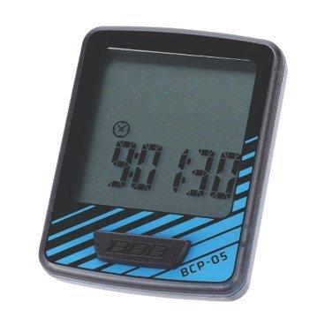 Велокомпьютер BBB DashBoard, 7 функций, проводной, черный/синий, BCP-05Велокомпьютеры<br>Велокомпьютер DashBoard стал, в своем роде, образцом для подражания. Появившись в линейке в 2006 году как простой и небольшой велокомпьютер с большим и легкочитаемым экраном, он эволюционировал в любимый прибор велосипедистов, которым нужна простая в использовании вещь без тысячи лишних функций. Когда пришло время обновить DashBoard, мы поставили во главу угла именно простоту дизайна и использования, в то же время, выведя оба этих параметра на новый уровень. Общий размер велокомпьютера уменьшился за счет верхней части корпуса. Но сам размер экрана остался без изменений - 32 на 32мм, позволяющие легко считывать информацию. Управление одной кнопкой также было сохранено в новой версии. Упрощение конструкции осзначает также меньшее количество швов и лучшую влагозащиту. Так что, DashBoard стал лучше, но остался тем же самым верным другом и помочником, что и был.<br><br>Особенности:<br><br>- Проводной компьютер с 7 функциями:<br>- Текущая скорость<br>- Расстояние поездки<br>- Одометр<br>- Часы<br>- Автоматический переход функций<br>- Авто старт/стоп<br>- Индикатор низкого заряда батареи<br>- Легко читаемый полноразмерный дисплей.<br>- Удобное управление с помощью одной кнопки.<br>- Компьютер может быть установлен на руле и выносе.<br>- Водонепроницаемый корпус.<br>- Батарейка в комплекте.<br>