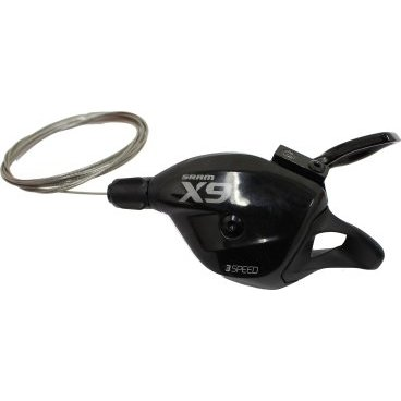 Манетка велосипедная Front Sram X.9 Trigger, 3 скорости, серый, 00.7018.069.004Манетки и Шифтеры<br>Технология SRAM Exact Actuation для 2х10 и 3х10 обеспечивает точное и четкое переключение при столь малом весе. В этих шифтерах SRAM использованы технологии: Impulse, хомут MatchMaker, прокладка тросика под верхней крышкой. Доступна в черно-серо-белой окраске.<br> <br>Технологии:<br>Exact Actuation. Когда SRAM начинали выпуск шоссейных компонентов, они переработали проверенную временем технологию SRAM 1:1 Actuation Ratio для десяти скоростных трансмиссий. Exact Actuation помогает улучшить и стабилизировать нелегкую работу заднего переключателя на близко расположенных звездах кассеты. Результат – легкое точное переключение и настройка.<br>Matchmaker Compatible. Matchmaker поможет сохранить немного места на руле и снизить вес. Один такой хомут может держать тормозные ручки Avid®, тригерные манетки SRAM® и блокировку вилок RockShox PushLoc.<br>Zero Loss. Zero-Loss означает нулевые потери – когда вы нажимаете на рычаг для переключения вверх или вниз, тросик приводится в действие моментально, означая нулевую потерю в движении. Тут нет свободного хода рычага перед переключением - передачи переключаются моментально.<br><br>Характеристики:<br>Вес: 116 грамм<br>Кол-во скоростей: 2х10 и 3х10<br>Совместимость перед: SRAM (2, 3ск)<br>Совместимость зад: SRAM Exact Actuation (10ск)<br>Цвета: серо-белый<br>Хомут: MatchMaker<br>