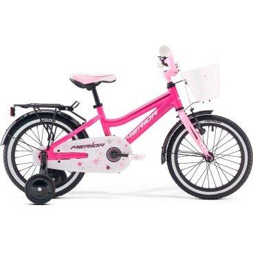 Детский велосипед Merida Bella J16 2017Детские<br>Велосипед, предназначенный для девочек в возрасте от трех до шести лет, без переключения передач. Технические особенности: алюминиевая рама M16 Alloy-C, жесткая стальная вилка, одинарные алюминиевые обода, передний тормоз - ручной V-Brake, задний - ножной, полная защита цепи, стальные крылья, багажник, съемные боковые колеса, звонок, передняя корзинка. Подходит для обучения и легких прогулок. Диаметр колес - 16 дюймов.<br>Рама и амортизаторы<br><br>РамаM16 ALLOY-C<br>ВилкаRigid Steel<br>Цепная передача<br><br>ШатуныSteel 32T<br>Кареткаattached<br>Кассета16T<br>ЦепьC-410<br>ПедалиKid PP<br>Колеса<br><br>Диаметр16.0<br>ОбодаAlloy Black<br>СпицыSteel BK<br>ВтулкаSteel NT<br>ПокрышкаMerida Kid 16 1.75<br>Компоненты<br><br>Передний тормозV-Brake<br>Задний тормозНожной (Coaster in R.Hub.)<br>РульOne piece<br>ВыносOne piece<br>Рулевая колонкаGeneral<br>СедлоBELLA kid 16<br>Подседельный штырьattached<br>РазработкаТайвань<br>ПроизводствоКНР (Тайвань)<br>