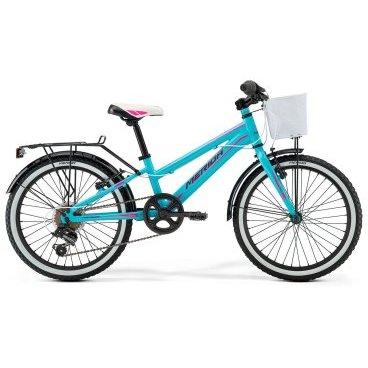 Детский велосипед Merida Bella J20 2017Детские<br>Велосипед, предназначенный для девочек в возрасте от пяти до девяти лет, с оборудованием начального класса Shimano, 6 скоростей. Технические особенности: алюминиевая рама M20 Alloy, жесткая стальная вилка, одинарные алюминиевые обода, надежные ободные тормоза V-Brake Linear, длинные стальные крылья, багажник, передняя корзина, звонок. Подходит для обучения и прогулочного катания в городских условиях. Диаметр колес - 20 дюймов. Вес - 12 кг.<br><br>Рама и амортизаторы<br><br>РамаM20 ALLOY<br>ВилкаRigid Steel<br>Цепная передача<br><br>МанеткиShimano Revoshift SL-RS35 6<br>Задний переключательShimano TY21<br>Шатуны38T 140L<br>Кареткаattached<br>Кассета14-28T 6sp<br>ЦепьZ33<br>Педали Junior PVC<br>Колеса<br><br>Диаметр20.0<br>ОбодаAlloy Black<br>СпицыSteel BK<br>ВтулкаSteel NT<br>ПокрышкаMerida 20 1.95<br>Компоненты<br><br>Передний тормозV-Brake Linear<br>Задний тормозV-Brake Linear<br>РульMerida Rise 540<br>ВыносMerida A-Head<br>Рулевая колонкаSteel-Headset<br>СедлоBELLA 20<br>Подседельный штырьSteel 27.2<br>РазработкаТайвань<br>ПроизводствоКНР (Тайвань)<br>