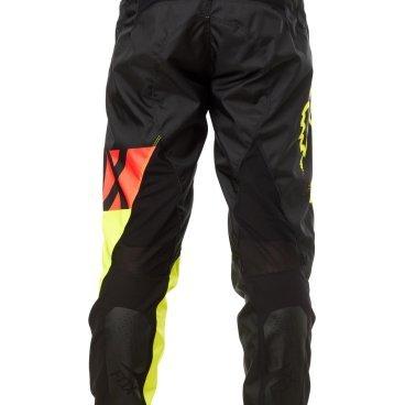 Велоштаны Fox Demo DH Pant, черно-желтые, полиэстерВелоштаны<br>Штаны в мотокроссовом стиле, выполненные из плотной и устойчивой к истиранию синтетической ткани. Благодаря особому покрою под названием RAP (Rider Attack Position), они идеально подойдут любителям даунхила и фрирайда. Вставки из эластичного сетчатого материала обеспечивают свободу движений и оптимальную вентиляцию.<br><br>ОСОБЕННОСТИ<br><br>Материал: полиэстер 600D<br>Особый покрой для оптимальной посадки на велосипеде<br>Вставки из эластичного сетчатого материала для большей свободы движений и оптимальной вентиляции<br>Подкладка из мягкой сетчатой ткани<br>Застёжка на молнии и регулируемой стропе<br>Оригинальная графика<br>