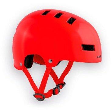 Велошлем детский MET Yo-Yo, красныйВелошлемы<br>Высококачественный детский шлем-котелок, который отлично подойдёт как для катания в BMX-парке, так и для передвижения по городу. Одноэлементный корпус данной модели выполнен из ударопрочного пластика ABS, а в комплекте со шлемом вы получаете два набора внутренних прокладок разной толщины. Такой шлем очень удобен, отлично выглядит и обеспечит ребёнку эффективную защиту.<br><br><br><br>ОСОБЕННОСТИ<br><br><br><br>Высококачественный детский шлем-котелок<br><br>Одноэлементный корпус из ударопрочного пластика ABS<br><br>В комплекте – два набора внутренних прокладок разной толщины<br><br>Удобная застёжка<br><br>Отвечает требованиям таких стандартов безопасности, как CE и AS/NZ<br>