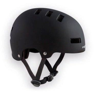 Велошлем детский MET Yo-Yo, черныйВелошлемы<br>Высококачественный детский шлем-котелок, который отлично подойдёт как для катания в BMX-парке, так и для передвижения по городу. Одноэлементный корпус данной модели выполнен из ударопрочного пластика ABS, а в комплекте со шлемом вы получаете два набора внутренних прокладок разной толщины. Такой шлем очень удобен, отлично выглядит и обеспечит ребёнку эффективную защиту.<br><br><br><br>ОСОБЕННОСТИ<br><br><br><br>Высококачественный детский шлем-котелок<br><br>Одноэлементный корпус из ударопрочного пластика ABS<br><br>В комплекте – два набора внутренних прокладок разной толщины<br><br>Удобная застёжка<br><br>Отвечает требованиям таких стандартов безопасности, как CE и AS/NZ<br>
