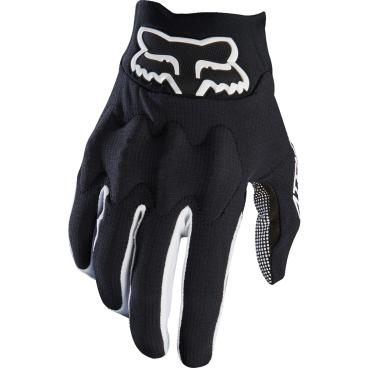 Велоперчатки Fox Attack Glove, черно-белый (2017)Велоперчатки<br>Тонкие перчатки лаконичного дизайна для тех, кто ценит комфорт и естественное ощущение руля. Верх модели выполнен из дышащей синтетической ткани, которая хорошо отводит влагу; ладонь отделана тонкой искусственной кожей Clarino.<br><br>ОСОБЕННОСТИ<br><br>Модель без застёжек<br>Ладонь из тонкой искусственной кожи Clarino<br>Большой палец отделан микрофиброй<br>Силиконовые накладки на пальцах для лучшего сцепления<br><br>Длина ладони<br>Размер: L (194-200 мм)<br>Размер: M (188-194 мм)<br>Размер: XL (200-206 мм)<br>Размер: S (182-188 мм)<br>Размер: XXL (206-212 мм)<br>