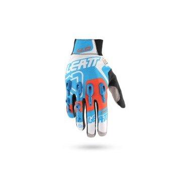 Велоперчатки Leatt DBX 4.0 Lite Glove, сине-бело-оранжевыйВелоперчатки<br>DBX 4.0 Lite – это максимально комфортные и технологичные перчатки для тёплого времени года. Верх данной модели выполнен из сетчатого текстиля, а ладонь отделана самым современным материалом под названием NanoGrip, который обеспечивает наилучшее сцепление как в сухих, так и во влажных условиях. Кроме того, эти перчатки соответствуют требованиям стандарта безопасности CE и эффективно защищают пальцы и костяшки от травм при падениях. Стоит также обратить внимание на их стильный внешний вид и на совместимость с сенсорными дисплеями – словом, если вы серьёзно относитесь к катанию, то эта модель однозначно для вас.<br><br><br>ОСОБЕННОСТИ<br><br><br><br>Материал: текстиль/Nanogrip<br><br>Модель без застёжек<br><br>Защитные накладки из фирменного материала Armourgel<br><br>Соответствуют требованиям стандарта безопасности CE<br><br>Силиконовые накладки на кончиках среднего и указательного пальцев<br><br>Длина ладони<br>Размер: L (194-200 мм)<br>Размер: M (188-194 мм)<br>Размер: XL (200-206 мм)<br>Размер: S (182-188 мм)<br>Размер: XXL (206-212 мм)<br>