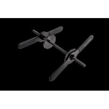 """Пресс чашек рулевой колонки Birzman Cup Press 02, BM16-BCP02Велоинструменты<br>Фирменный пресс для установки чашек рулевой в рулевой стакан рамы. Пресс изготовлен из высококачественной инструментальной стали и позволяет работать с рулевыми следующих стандартов: 1"""", 1 1/8"""", 1 1/4, 1.5"""". Особая конструкция позволяет быстро привести пресс в рабочее положение и разобрать после окончания работы.<br><br><br><br>ОСОБЕННОСТИ<br><br><br><br>Фирменный пресс для чашек рулевой колонки от Birzman<br><br>Изготовлен из высококачественной инструментальной стали<br><br>Подходит для рулевых колонок следующих стандартов: 1"""", 1 1/8"""", 1 1/4, 1.5""""<br><br>В комплект входят специальные насадки для запрессовки подшипников каретки<br>"""