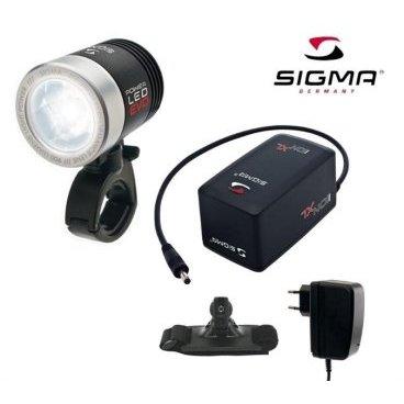 Фара передняя Sigma Sport Poweled Evo Pro K Set, 16913Фары и фонари для велосипеда<br>Мощный фонарь Sigma Sport с яркостью до 900 люмен осветит самый тёмный трейл. На 400% больше света, чем у предыдущей модификации. Специальная оптическая конструкция обеспечивает оптимальное освещение в дали, а также широкий угол рассеивания света гарантирует прекрасную освещённость на средних и ближних дистанциях. <br> <br>Характеристики:<br>4 режима работы: экономный, стандартный, мощный и мигающий <br>Время работы с аккумуляторами IION XL: 11 ч, 5 ч, 3 ч <br>Влагозащищённый корпус <br>Индикатор разряда батареи <br>Универсальное крепление на руль (диаметр 22-32 мм) <br>Вес: 140 г <br> <br>Комплектация:<br>Фара <br>Аккумулятор <br>Зарядное устройство <br>Крепление на шлем <br>Крепление на руль<br>