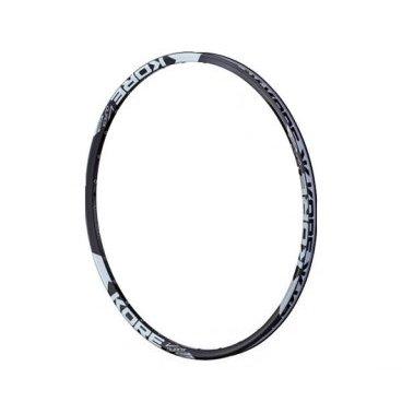 Обод 26 Kore Durox, 32h P/V 21-25,4 мм, UST Disk, черный, KRMDRX26032BATОбода<br>Лёгкий и прочный пистонированный обод для трейлрайдинга и катания в стиле ол-маунтин. Изготовлен из алюминиевого сплава марки 6061-Т6 и подходит для использования только с дисковыми тормозами. Обод подходит для бескамерного использования и совместим с резиной стандарта UST.<br><br><br><br>ОСОБЕННОСТИ<br><br><br>Диаметр: 26<br>Только под дисковый тормоз<br>Материал: алюминиевый сплав марки 6061-Т6<br>Ширина: 25,4 мм<br>Внутренняя ширина: 21 мм<br>Высота: 19 мм<br>Совместим с бескамерной резиной стандарта UST<br>Вес: 430 г.<br>