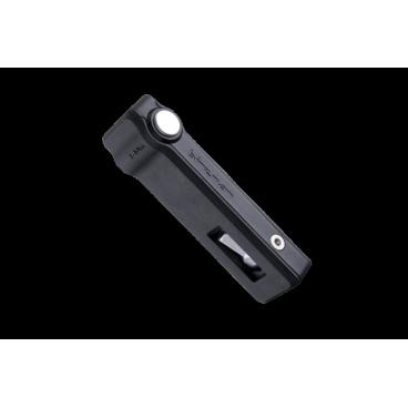 Набор ключей Birzman M-Torque Ranger Black, складной, BM16-MTORQUE-RAВелоинструменты<br>Оригинальный складной набор ключей от Birzman в корпусе из высокопрочного композита. Такой набор пригодится в любой поездке, и его всегда можно взять с собой, имея хотя бы один карман. Основная особенность этого набора – особый регулятор усилия затяжки болтов, выполненный в виде кнопки. Работает он очень просто: когда вы давите на кнопку большим пальцем при затяжке, и усилие достигает 5 Н-м, кнопка издаёт характерный щелчок. В набор входят шестигранные ключи на 3, 4 и 5мм, ключ Torx T25, плоская отвёртка и монтажки для покрышек. Все ключи изготовлены из высококачественной стали, а монтажки – из специального полимера.<br><br>ОСОБЕННОСТИ<br><br>Специальный регулятор усилия затяжки, выполненный в виде кнопки<br><br>В набор входят:<br><br>Шестигранные ключи на 3, 4 и 5мм<br><br>Звездообразный ключ Torx T25<br><br>Плоская отвёртка<br><br>Монтажки для покрышек<br>
