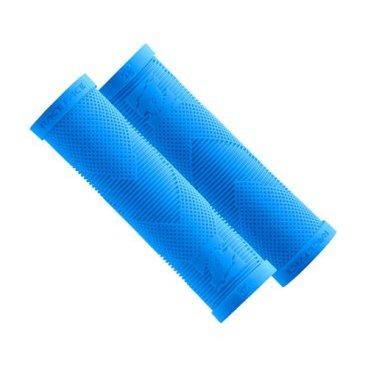Грипсы Race Face Sniper Slide On Grips, кретон, синие, AC990045Ручки и Рога<br>Многие недооценивают важность такого компонента, как грипсы – а ведь это одна из трёх основных точек контакта райдера с велосипедом. Правильно подобранные грипсы обеспечивают лучший контроль велосипеда, и руки с ними устают гораздо меньше. Грипсы Sniper производятся на фабрике ODI, что, по сути, является гарантией их высочайшего качества. Удобная форма, мягкая резина и продуманный рисунок – что ещё нужно?<br><br>ОСОБЕННОСТИ<br><br>Классические тонкие грипсы от Race Face<br><br>Производятся на фабрике ODI<br><br>Изготовлены из мягкой резины<br>