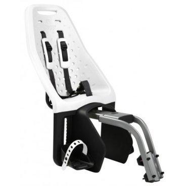 Детское велосипедное кресло Thule Yepp Maxi Seat Post, на раму, заднее, белый, 12020237Детское велокресло<br>Продуманное и функциональное велокресло с запоминающимся дизайном для установки сзади велосипеда на подседельную раму диаметром 28 - 40 мм.<br><br>Мягкий низкотеплопроводный материал.<br><br>Особенности:<br><br>- уникальность кресла в возможности легкой и быстрой  установки на подседельную раму велосипеда<br><br>- купив еще один адаптер Thule Yepp Maxi Seat Post Adapter (продается отдельно) можно быстро перекинуть кресло на второй велосипед<br><br>- максимальный комфорт и безопасность  благодаря регулируемым 5-точечным ремням, которые идеально фиксируют ребенка<br><br>- мягкий и ударопоглощающий материал сидения позволяет ребенку сидеть очень комфортно<br><br>- ребенок легко и быстро пристегивается пряжкой с защитой от открывания детьми<br><br>- держатели  и ремни для ступней регулируются по росту ребенка<br><br>- встроенные рефлекторы для улучшения видимости в темное время<br><br>- благодаря водоотталкивающим материалам сиденье всегда остается сухим и легко чистится<br><br>- разработано и протестировано для детей от 9 месяцев до 6 лет, весом до 22 кг<br><br>Ремень безопасности: 5-point (5-точечный регулируемый ремень безопасности с подкладкой)<br><br>Вес: 4.6 кг<br><br>Производство: Швеция<br>