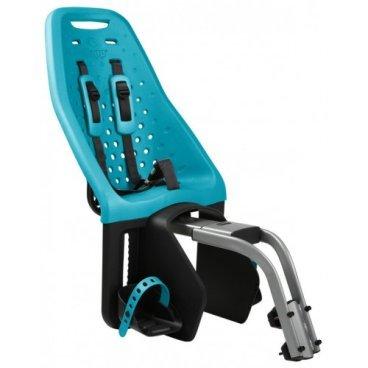 Детское велосипедное кресло Thule Yepp Maxi Seat Post, на раму, заднее, цвет морской волны, 12020253Детское велокресло<br>Продуманное и функциональное велокресло с запоминающимся дизайном для установки сзади велосипеда на подседельную раму диаметром 28 - 40 мм.<br><br>Мягкий низкотеплопроводный материал.<br><br>Особенности:<br><br>- уникальность кресла в возможности легкой и быстрой  установки на подседельную раму велосипеда<br><br>- купив еще один адаптер Thule Yepp Maxi Seat Post Adapter (продается отдельно) можно быстро перекинуть кресло на второй велосипед<br><br>- максимальный комфорт и безопасность  благодаря регулируемым 5-точечным ремням, которые идеально фиксируют ребенка<br><br>- мягкий и ударопоглощающий материал сидения позволяет ребенку сидеть очень комфортно<br><br>- ребенок легко и быстро пристегивается пряжкой с защитой от открывания детьми<br><br>- держатели  и ремни для ступней регулируются по росту ребенка<br><br>- встроенные рефлекторы для улучшения видимости в темное время<br><br>- благодаря водоотталкивающим материалам сиденье всегда остается сухим и легко чистится<br><br>- разработано и протестировано для детей от 9 месяцев до 6 лет, весом до 22 кг<br><br>Ремень безопасности: 5-point (5-точечный регулируемый ремень безопасности с подкладкой)<br><br>Вес: 4.6 кг<br><br>Производство: Швеция<br>