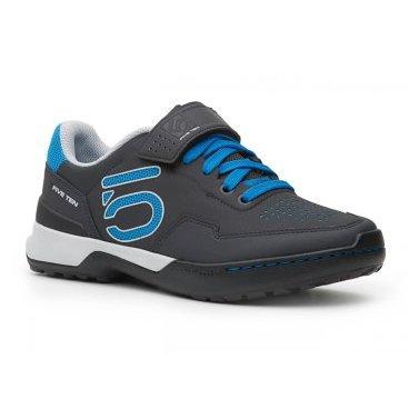 Велотуфли женские Five Ten Kestrel Lace Womens SPD Shock, синий (2017)Велообувь<br>Новые контактные туфли для эндуро и катания в стиле ол-маунтин – результат эволюции популярной модели Kestrel. Если вы ищете контактную обувь с классической шнуровкой, позволяющую эффективно передавать усилие на педали, то Kestrel Lace – именно то, что вам нужно. Подошва данной модели выполнена из самой жёсткой резины от Five Ten под названием STEALTH C4, а специальная вставка из пеноматериала EVA обеспечивает отличную амортизацию ударов.<br><br><br><br>ОСОБЕННОСТИ<br><br><br><br>Материал верха: искусственная кожа<br><br>Материал подошвы: STEALTH C4<br><br>Задник и язычок перфорированы для лучшей вентиляции<br><br>Вставка из пеноматериала EVA обеспечивает отличную амортизацию ударов<br><br>Дополнительная застёжка на липучке<br><br><br>Пол женский <br>Производитель FIVE TEN<br><br>Система SPD Нет<br>Тип велотуфли МТБ<br>