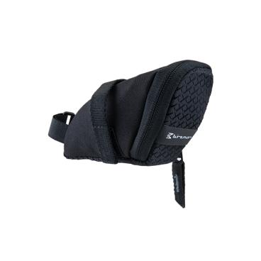 Сумка подседельная Birzman Saddle Bag Zyklop Nip, 16.5x5x6.5cm, черный, BM10-PO-SB-01-KВелосумки<br>Компактная и практичная подседельная сумка. Основная особенность данной модели - удобно расположенная застёжка на молнии, обеспечивающая быстрый доступ к вещам. Такая влагостойкая сумка - оптимальный выбор для тех, кто не любит возить с собой рюкзак.<br><br>Функции<br><br>Подседельная сумка/Крепление для заднего фонаря<br><br>Материал<br><br>Полиэстер 600D (влагоотталкивающий)<br><br>Размер<br><br>16.5x5x6.5cm<br><br>Объём<br><br>0.3L<br>
