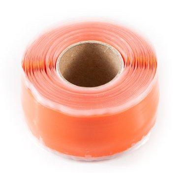 Защитная силиконовая лента ESI Silicon Tape, 10 (3 м), оранжевый, TR10OРучки и Рога<br>Силиконовая защитная лента для рамы, руля и других компонентов велосипеда.<br><br>Легко устанавливается, самоклеющаяся, не содержит клеящих веществ и не оставляет следов, устойчива к УФ-излучению. Применяется в качестве защиты пера рамы от ударов цепи, а также защищает руль и вынос при установке на них креплений для света, камеры, GPS и так далее. <br><br>Снимите защитную пленку с одной стороны ленты и убедитесь, что обе ее стороны на ощупь абсолютно одинаковые. Никакого клея, только гладкий и липкий силикон. Лента надежно клеится сама к себе, при этом не оставляя никаких следов на раме и руле вашего велосипеда. Просто намотайте силиконовую ленту под крепление для света/камеры/GPS, чтобы исключить проворачивание крепления и предохранить руль и раму от появления царапин и потертостей. Может использоваться в качестве защиты пера.<br>