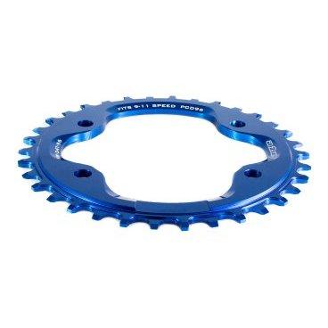 Звезда передняя A2Z NW chainring, 34T, алюминий, синий, NW-34T-96-4Системы<br>Описание Звезда A2Z нового поколения для привода 1х10 или 1х11. Специальные профиль зубьев предотвращает слетание цепи. Теперь можно снять успокоитель снизив вес велосипеда и убрав лишнее трение в трансмиссии. <br><br>Характеристики:<br>Материал: Alloy 7075-T6 <br>CNC обработка<br>BCD: 96мм<br>Для 9/10/11-скоростных цепей<br>Вес: 48г (32t)<br>