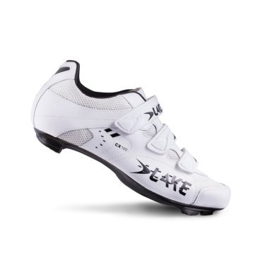 Велообувь Lake CX160-X, бело-черныйВелообувь<br>Классические велотуфили Lake CX160 предназначены для шоссейных гонщиков. Сделанные из натуральной кожи и дышащей сетки, чтобы ваша нога всегда находилась в комфорте. <br>Колодка состоящая из стекловолокна и нейлона обеспечит эффективное использование мощности. Система из 3-ремней идеально фиксируют ногу. <br><br>Подробности:<br><br>    • Настоящая кожа и сетчатый верх<br>    • Колодка состоит из жесткого стекловолокна с ипользованием высококачественного нейлона<br>    • Три ремня на липучке для лучшей фиксации<br>    • Классический дизайн от Lake<br>    • Протектор на каблуке и носке<br>