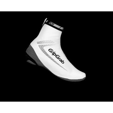 Велобахилы GripGrab RaceAqua, влагостойкие, ветрозащита, белыйВелообувь<br>GripGrab RaceAqua<br>Легкие аеродинамичные бахилы для защиты от ветра и дождя.<br><br>Особенности<br>Обтягивающий дизайн<br>Ветрозащитные<br>Влагостойкие<br>Молния YKK®<br>Размеры: S (38-39), M (40-41), L (42-43), XL (44-45), 2XL (46-47), 3XL (48-49)<br><br>Уход<br>Не стирать, используйте только влажную тряпку для очистки. Не использовать отбеливатель. Не сушить в стиральной машине. Не гладить. Не подвергать химической чистке. Не отжимать. <br><br>Материалы<br>75% Нейлон<br>20% Полиуретан<br>3% Полиэстр<br>2% Эластан<br>