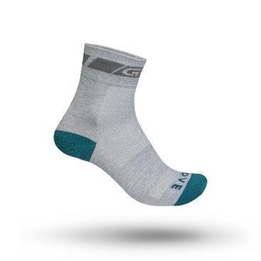 Велоноски женские GripGrab Classic Sock Regular Cut, поддержка стопы, сетчатые зоны, серыйВелоноски<br>Легкие летние женские носки из ткани Coolmax® идеально подходят для езды на велосипеде в жаркую погоду, а также упражнений в помещении. Открытые сетчатые зоны обеспечивают высокую воздухопроницаемость. Стандартный дизайн.<br><br>Особенности<br>Легкая ткань Coolmax®<br>Эластичная поддержка стопы<br>Открытые сетчатые зоны для вентиляции<br><br>Таблица размеров<br>XS (35 - 38)<br>S (38 - 41)<br>M (41 - 44)<br>L (44 - 47)<br><br>Уход<br>Машинная стирка с такими же цветами. Не отбеливать. Не сушить в стиральной машине. <br>Не гладить. Не подвергать химической чистке. Не отжимать. <br><br>Материалы<br>42% Акрил<br>26% Полиамид<br>25% Полиэстер <br>5% Хлопок<br>2% Полиуретан<br>