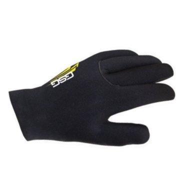 Велоперчатки GSG Rain Glove, черный, 12194-03Велоперчатки<br>ТКАНИ: НЕОПРЕН<br><br>ТЕМПЕРАТУРА: -5 ° / + 13 °<br><br><br>Зимняя перчатка в биобезопасном и водонепроницаемом неопреновом материале.<br>Palm с амортизирующей пеной и силиконовой тканью, чтобы обеспечить захват и комфорт на всех участках и погодных условиях.<br>Эта перчатка обеспечивает максимальную изоляцию, особенно во влажных условиях и в очень холодную погоду.<br>