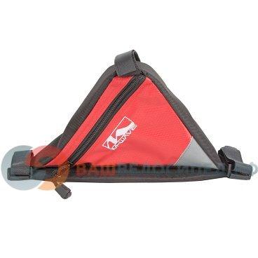 Подсумок велосипедный M-WAVE  подрам. треуг. плечев. упор (100) черно-красный 5-122543Велосумки<br>Подсумок M-WAVE  подрам. треуг. плечев. упор (100) черно-красный<br>Размеры: 18х18х23см<br>