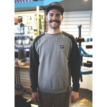 Свитер TBC Crewneck Sweatshirt (Style: Premium Tag, Color: Black/Grey, Size:Велофутболка<br>Свитер TBC Sweatshirt Crewneck Premium Tag, черно-серая.<br><br>Описание<br>Фирменный свитер от Transition отлично смотрится с чем угодно и супер удобный.<br><br>Характеристики:<br>Материал: хлопок/полиэстер<br>Фирменный логотип спереди<br>Размер- S, M, L.<br>