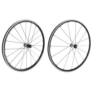 Комплект колес SHIMANO RS500, 10-11 ск, под дисковый тормоз, QR, черный, EWHRS700C30FRLКолеса для велосипеда<br>Колеса шоссейные, клинчер, совмест с бескамерн покр, передн+задн 10/11-зв. черн<br><br>Универсальный выбор для катания по холмистой местности<br><br>• Эффективное ускорение<br><br>» Высокая точность передачи движения<br><br>• Высота обода переднего колеса 24 мм, заднего колеса 28 мм<br><br>• OPTBAL<br><br>• Легкость в сочетании с жесткостью<br><br>• Новый многослойный карбоновый ламинированный бескамерный обод<br><br>• Гладкая поверхность<br><br>» Новый многослойный карбоновый ламинированный бескамерный обод<br>