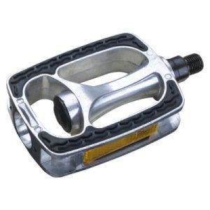 Педали PEAK B190, City/Comfort, 121х74 мм, алюминиевые с резиновыми накладкамиПедали для велосипедов<br>Лёгкие педали для использования в городе и для туризма. <br>Корпус выполнен из полированного алюминия а нескользящая платформа - из пластика<br>