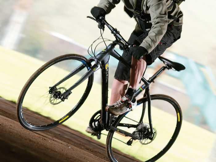 Шоссейный гибридный велосипед