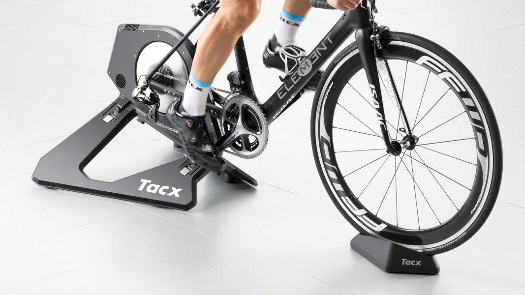 Велотренажер TACX NEO Smart