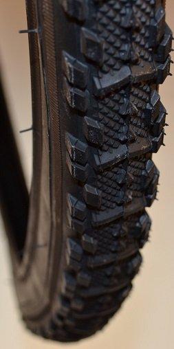 Покрышка велосипедная KENDA K-879 BK 22TPI, 37-622 (700х35С), черный