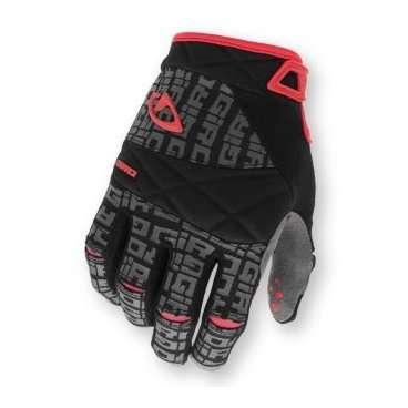 Перчатки DJ, длин.пальцы, черн/уголь, L, gel (арт. GIG2 017 263)Велоперчатки<br>Перчатки с длинными пальцами GIRO размер L черный<br>Легкость и удобство сочетаются в перчатках Giro DJ. Ладонь перчаток выполнена по технологии SuperFit, которая повторяет форму руки и не скатывается при использовании. Силиконовые подушечки на пальцах улучшают сцепление с рулем. Микрофибра на внешней стороне ладони отводит пот от кожи и препятствует попаданию воды во время дождя. <br>Характеристики:<br>Легкость перчаток<br>Анатомическая форма SuperFit <br>Искусственная кожа Clarino для повышенной стойкости<br>