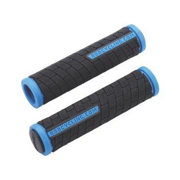 Грипсы велосипедные BBB DualGrip, 125mm, черный/синий, BHG-06Ручки и Рога<br>Мягкий двухкомпонентный материал.<br><br>Хорошее сцепление с перчатками.<br><br>Две заглушки для руля в комплекте.<br><br>Длина: 125 мм.<br>