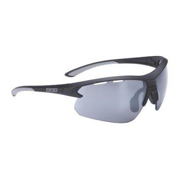 Очки BBB Impress PC Smoke, сменные линзы желтые+прозрачные, мешочек, черные, BSG-52Велоочки<br>Спортивные очки со специальной конструкцией, позволяющей менять линзы в один щелчок.<br><br>Особенности:<br><br>- Сменные поликарбонатные линзы с продуманной системой вентиляции.<br>- Мягкие наконечники дужек для надёжной и комфортной посадки.<br>- Форма линз обеспечивает защиту от солнца, пыли и ветра.<br>- 100% защита от ультрафиолета.<br>- Высокотехнологичная оправа из материала Grilamid с регулируемой переносицей.<br>- Мешочек для хранения в комплекте.<br>- В комплекте сменные линзы: прозрачные и желтые.<br>