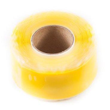 Защитная силиконовая лента ESI Silicon Tape, 10 (3 м), желтый, TR10YРучки и Рога<br>Силиконовая защитная лента для рамы, руля и других компонентов велосипеда.<br><br>Легко устанавливается, самоклеющаяся, не содержит клеящих веществ и не оставляет следов, устойчива к УФ-излучению. Применяется в качестве защиты пера рамы от ударов цепи, а также защищает руль и вынос при установке на них креплений для света, камеры, GPS и так далее. <br><br>Снимите защитную пленку с одной стороны ленты и убедитесь, что обе ее стороны на ощупь абсолютно одинаковые. Никакого клея, только гладкий и липкий силикон. Лента надежно клеится сама к себе, при этом не оставляя никаких следов на раме и руле вашего велосипеда. Просто намотайте силиконовую ленту под крепление для света/камеры/GPS, чтобы исключить проворачивание крепления и предохранить руль и раму от появления царапин и потертостей. Может использоваться в качестве защиты пера.<br>
