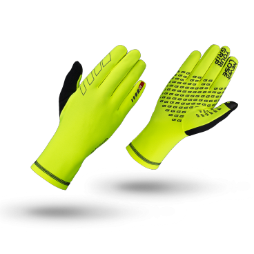Велоперчатки зимние GripGrab Insulator, силиконовые накладки, работют с сенсорными экранами, желтыйВелоперчатки<br>Зимние перчатки Insulator Hi-Vis это тонкие, легкие и комфортные перчатки, которые могут использоваться как отдельно, так и внутри других перчаток в качестве дополнительного изолирующего слоя в особо холодные дни. Полые волокна перчаток обеспечивают превосходную термоизоляцию и дышащие свойства. Силиконовые принты на ладони и пальцах улучшают контакт с рулем. Insulator Hi-Vis это отличный вариант в качестве дополнительного внутреннего слоя при особенно сильном морозе, в то же время прекрасно подходят для катания как самостоятельные перчатки в небольшие холода. Яркая расцветка и светоотражающие элементы повышают вашу безопасность при катании в темное время суток.<br><br>Особенности<br>Яркая расцветка<br>Высокая степень защиты от холода<br>Дышащий материал<br>Силиконовые вставки на ладони и пальцах<br>Светоотражающая графика<br>Позволяют работать с тачскринами<br>Вставка для вытирания пота<br><br>Размер перчаток S, M, L, XL, XXL <br><br>Материалы<br>85% полиэстер<br>15% эластан<br>