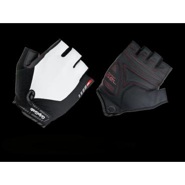 Велоперчатки короткие GripGrab ProGel, синтетисческая кожа, гелевые накладки, белыйВелоперчатки<br>GripGrab ProGel<br>Наиболее комфортные перчатки без пальцев. Сделаны из легких эластичных материалов, отлично сидят по руке не стесняя движений. Гелевые накладки DoctorGel толщиной 4мм препятствуют уставанию и онемению кистей рук.<br><br>Осбенности<br>Гелевые накладки DoctorGel 4мм<br>Pull-off - перчатки удобно снимать<br>Отличное сцепление<br>Эластичный верх из лайкры<br>gMagnets - перчатки удобно хранить парой<br>Светоотражающие логотипы <br><br>Размер XS, S, M, L, XL, XXL<br><br>Уход<br>Машинная стирка С такими же цветами. Не отбеливать. Не сушить в стиральной машине. <br>Не гладить. Не подвергать химической чистке. Не отжимать. <br><br>Материалы<br>40% Полиэстер<br>30% Нейлон<br>20% Полиуретан<br>10% Эластан<br>