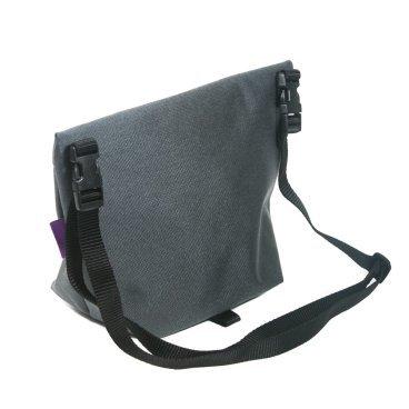 Велосумка на плечо ВелоХорошо Музетта, 20х30см, 1-4л, серый, MS02Велосумки<br>Сумка на плечо, пришедшая из вело гонок. <br> <br>Мы сделали свой вариант этой бессметртной сумки.<br> <br>Объем сумки меняется за счет липучке на дне сумки<br> <br>Материал кордура\оксфорд с пропиткой 1000\600<br> <br>Объем 1-4л<br> <br>Размер:20х30см<br> <br>Подкладка в полоску<br>