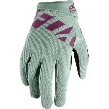 Велоперчатки женские Fox Ripley Womens Glove SageВелоперчатки<br>Велоперчатки женские Fox Ripley Womens Glove Sage <br><br>Описание <br>Лёгкие и очень удобные перчатки с гелевыми вставками, созданные специально для женских рук. Верх модели выполнен из  плотного эластичного текстиля, а ладонь отделана двойным слоем искусственной кожи Clarino. <br><br>Особенности:<br>Материал: текстиль, искусственная кожа<br><br>Гелевые вставки для гашения вибраций<br><br>Силиконовые накладки на кончиках пальцев для лучшего сцепления<br><br>Большой палец отделан микрофиброй<br><br>Удобная компактная застёжка<br>Размеры: S, M, L<br>